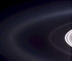Earth and Moon seen by the Cassini Spacecraft in orbit around Jupiter (Sept 2006).